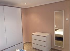 Продава се апартамент изцяло ремонтиран, намиращ се на C/ Cami Real, Торент - 70 m2 - 45 000  €
