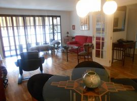 It sells housing in Algirós, Valencia - 109m2 - 275,000 €